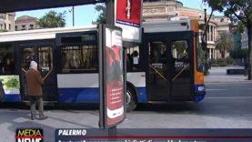 Svolta digitale all'Amat: zone blu, biglietti per bus e tram si potranno pagare con un'app