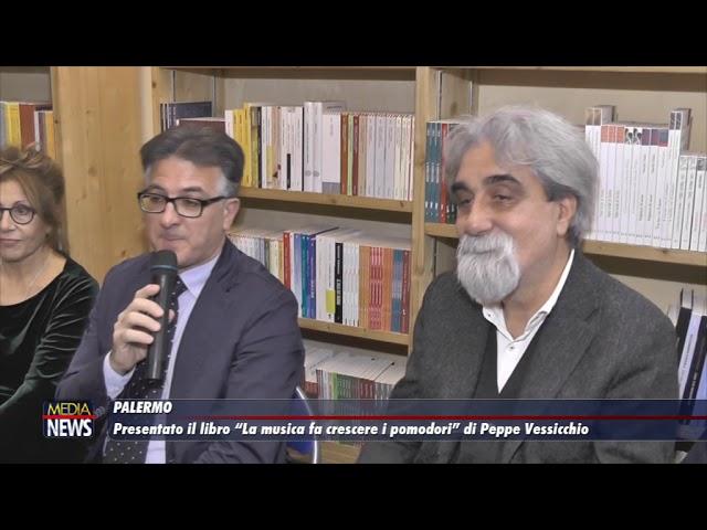 """Presentato il libro """"La musica fa crescere i pomodori"""" di Peppe Vessicchio"""