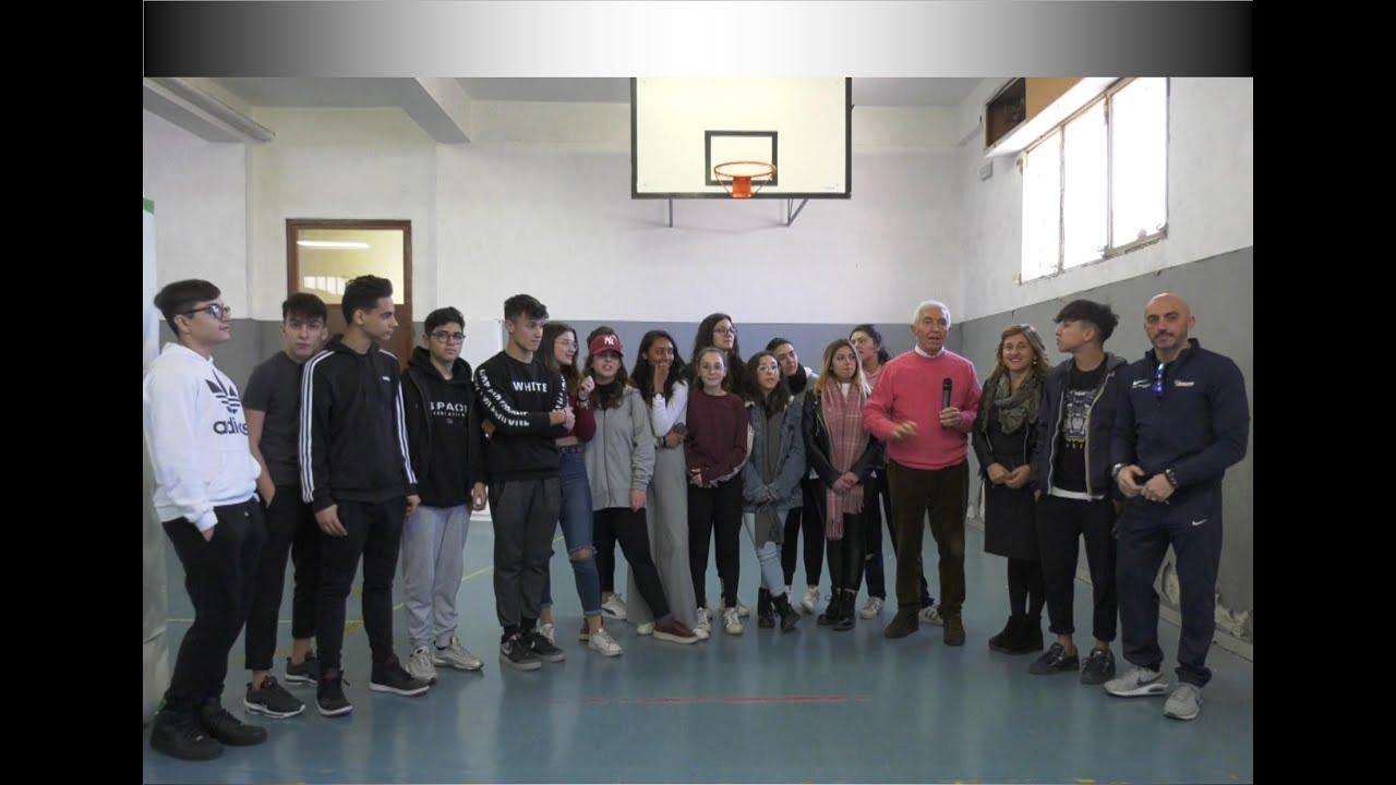 """SICILIA SERA Speciale Scuola – Liceo Linguistico """"Ninni Cassarà"""" di Palermo con Daniela CRIMI"""