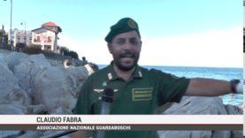Palermo. Sulla spiaggia di Mondello alcuni volontari hanno ripulito un tratto di litorale
