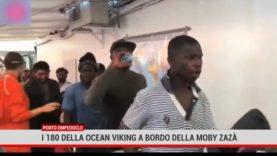Porto Empedocle. I 180 della Ocean Viking a bordo della Moby Zazà