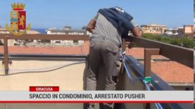 Siracusa.Spaccia droga dentro un condominio, pusher arrestato