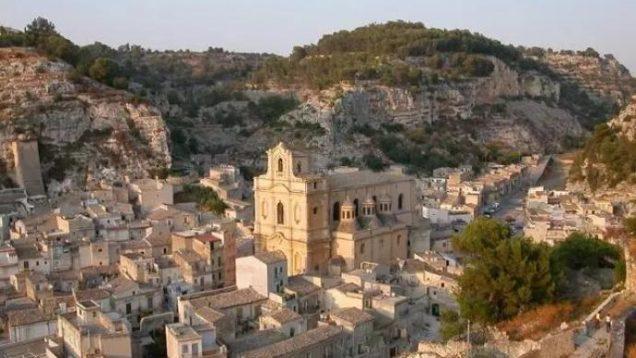 1596534508220.jpg–capitale_della_cultura_2022__tre_citta_siciliane_in_corsa