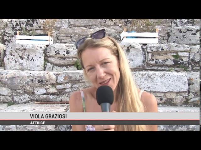 """Segesta. Successo per """"Elena"""" """" di e con Graziano Piazza in scena con Viola Graziosi"""